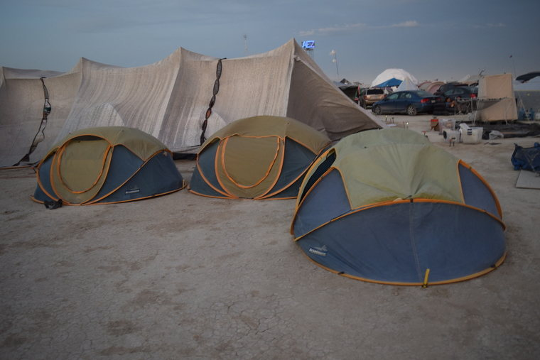 3 pop up tents